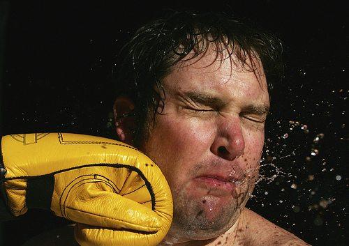 Как да нанасяме удар с ръка